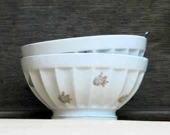 set of 2 french cafe au lait bowl , goldy country flowers, fine porcelain, goldy and white, Fine GIEN porcelain France
