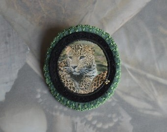 felt leopard brooch - green wild animal felt brooch - leopard brooch - african leopard brooch pin - gift for her - mothersday gift