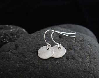 SALE - Gift Earrings Silver Disc Earrings silver dot drop circle earrings disc earrings, brushed disc earrings,disc earring, round disc, sma