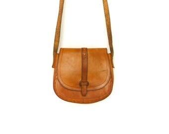 Vintage Caramel Brown Leather Small Bag Purse Crossbody / Hippie Boho Folk Festival / 70s