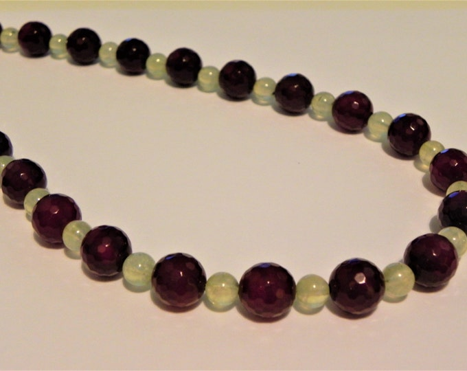 """Chunky dark red agate and pale green prehnite gemstone necklace, 18"""""""