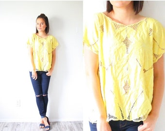 30% OFF VALENTINES SALE Vintage yellow lace top // bohemian blouse // lace embroidered top // festival style top // floral boho top // bohem