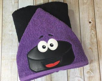 """Hockey Puck Hooded Bath Towel 27"""" x 52"""""""