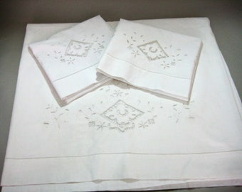 White Sheet, Sheet and Pillow Cases, Double Bed Embroidered Sheet and Pillow Cases, Flat Sheet with Matching Pillowcases