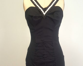 Flattering Vintage 1950s Swimsuit Pinup Worthy. Excellent. Small to Medium Small