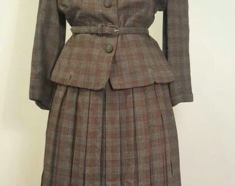 Vintage 1940s to Early 50s Gray Plaid Flannel Suit. Pleated Skirt. Arrow Stitching. Small to Med.