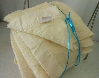 CHATHAM Vtg Blanket Acrylic Cream Queen King