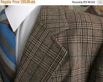 SALE INTO SPRING Vintage Mens Plaid Blazer,Mens Wool Plaid Jacket,Mens Plaid Sportcoat See Pics For Colors, Size 44-46