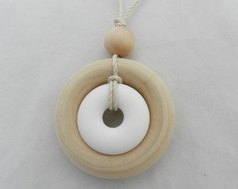 Nursing Necklace with Wood Ring and Silicone Pendant
