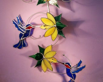 Stained Glass Hummingbirds with Flowers   (793)