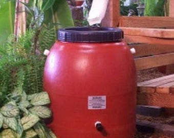 50 Gallon Terra Cotta Plastic Screw-On-Lid Rain Barrel-FREE SHIPPING