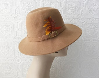 "Boho Crusher Hat, Wool Felt in Light Brown, Winter Fedora, Feathers Orange & Rust, size Small Ladies 21"", by Bollman Americana, Vintage 70's"
