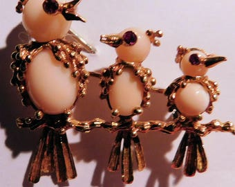 18K Gold and Angelskin Coral Bird Brooch