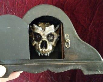 Tabletop Goblin Skull Crypy (Uncleaned Specimen)