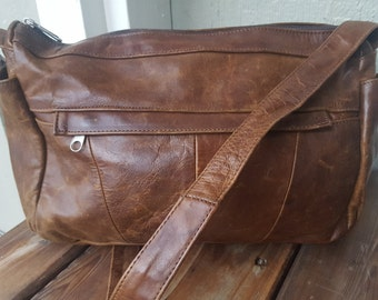 WOODS    ///    Aged Leather Bag