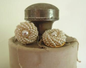 Vintage Round Faux Pearl Earrings / Wedding Earrings / Clip-on / Mid Century Earrings