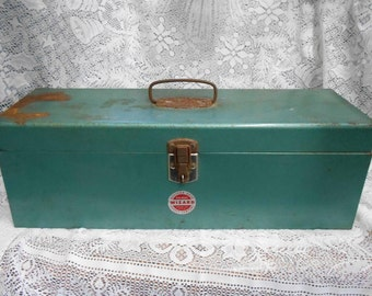 Vintage Western Auto Wizard Green Metal Tool Box