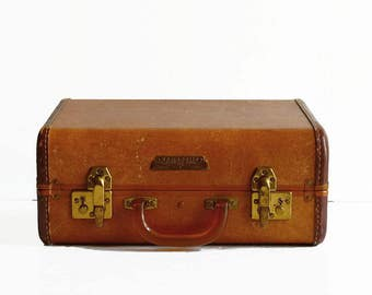 vintage Samsonite suitcase with key 1930s travel luggage golden brown bakelite handle