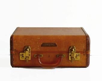 vintage Samsonite suitcase with key 1930s travel luggage golden brown bakelite handle