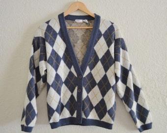 Vintage Avon Fashions Argyle Print Soft Acrylic Sweater size Small