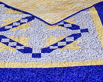 Beautiful Blue/Yellow Quilt------------------------70x58
