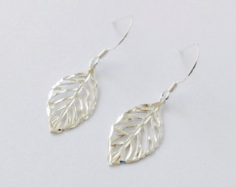 Leaf earrings, silver leaf dangle earring, skeleton leaf, nature earrings - Sterling Silver (925)