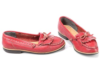 Women Leather Loafers Shoes 80s Slip On WIDE FIT Red Fringe Moccasins Retro Penny Shoes Size Us women 6.5, Eur 37 , Uk 4