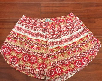 Coachella Shorts, Red Multi Boho Chic Print Shorts, Womens Red Ivory Floral Shorts, Beach Shorts, Festival Fashion, High Waist Shorts