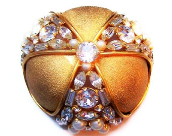 """Rhinestone Pearl Statement Brooch High End Domed Gold Jewelry 2.5"""" Vintage"""