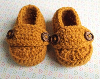 baby crochet loafers; knit baby shoes, baby boy shoes, baby booties; tan button loafers; 0-3mth size ready to ship, uk seller