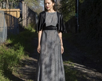 Vintage 1970s Juli California Maxi Dress silver lurex black open back S/M Ladies