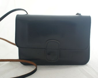 Purse- Mundi Black Leather Small compact over the shoulder carryall with mirror