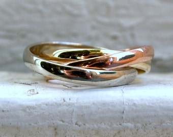 RESERVED - Pretty Vintage 14K Tri Colored Gold Rolling Ring Wedding Band.