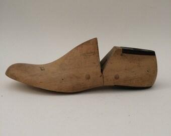 Wooden Shoe Form - 9D