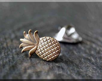 Brass Pineapple Tie Tac, Lapel Pin, Pineapple Brooch, Gift for Him, Gift Under 10 Dollars, Tie Tack, Pineapple Accessory, Unisex Pin