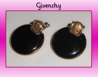 Signed Designer GIVENCHY Paris New York Gold Tone LOGO & Black Enamel Round PIERCED Earrings