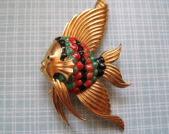 Vintage Fish Brooch Colorful Mid Century Gold Tone Large Pin Sea Ocean Angelfish