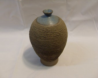 Signed And Dated Mid Century Art Pottery Sgraffito Vase by D. M. Huntley 1974