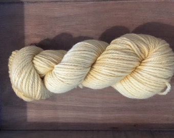 BFL ARAN - 100% BFL yarn in Aran weight - non superwash - Baby Yellow