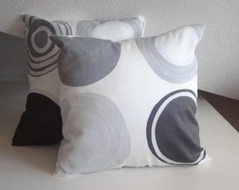 Geometric pillow,   modern pillow, white & grey, circle and dot, geometric cushion, decorative pillows