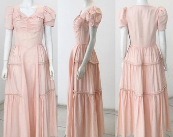 SALE 1930s evening gown in a delicate shade of pink