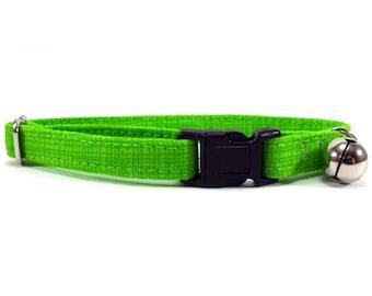 Cat Collar, Small Dog Collar, Green Crosshatch