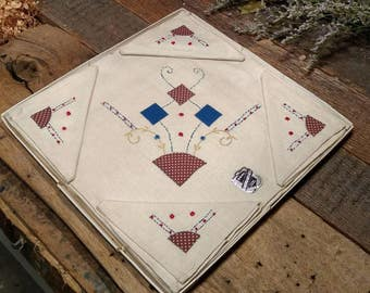 Mid-Century Hand Embroidered Linen Bridge Set / Boxed / New Old Stock