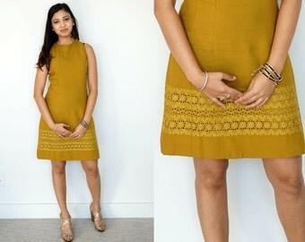 Vintage Shift Dress / 1960s Mod Dress / Chartreuse Dress / Chartreuse Shift / Sleeveless Dress / Green Dress / Mod Dress / Green Shift