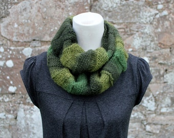 KNITTING PATTERN for women, infinity scarf pattern- Listing98