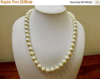 On Sale Vintage Hand Knotted Faux Pearl Necklace Item K # 2967