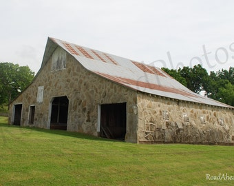 Arkansas Ozarks Photography, Barn 8 x 10 matted photograph