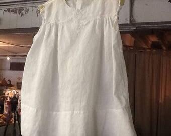 Adorable 1940-1950's White Cotton Girls Dress