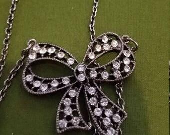 Pretty rhinestone bow tie necklace vintage jewelry, estate jewelry