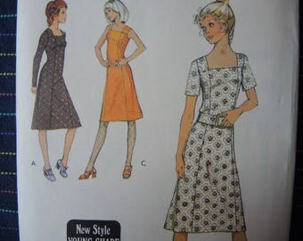 vintage 1970s Style sewing pattern 3140 misses dress in two lengths size 14